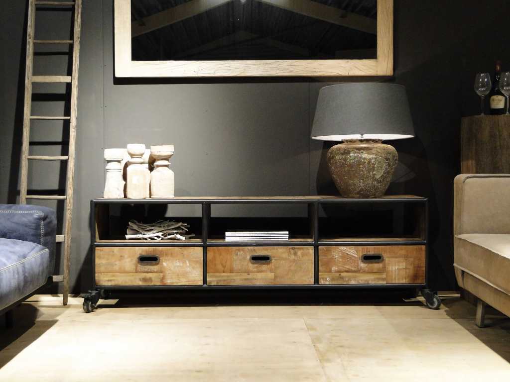 Industrieel tv meubel bezons for Meubels industrieel