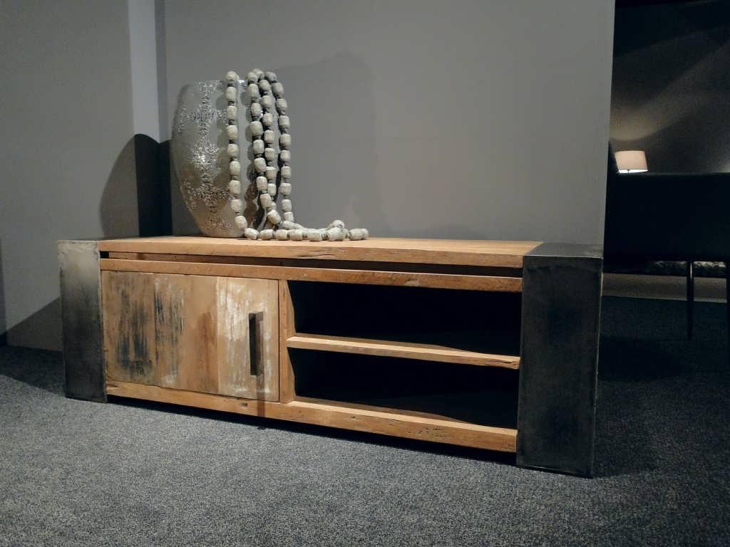 Industrieel tv meubel asmund for Meubels industrieel