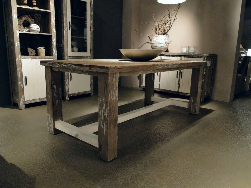 Landelijke driftwood eettafel Vegard   robuustetafels nl