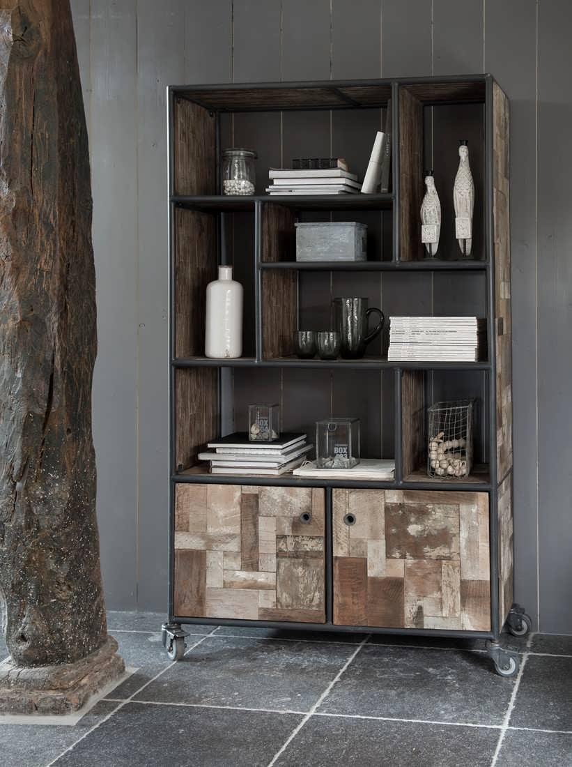 Industriële boekenkast Bezons van recycled teak | robuustetafels.nl