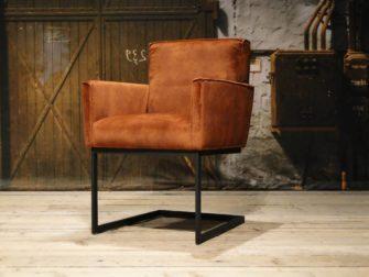 bruine industriële stoel