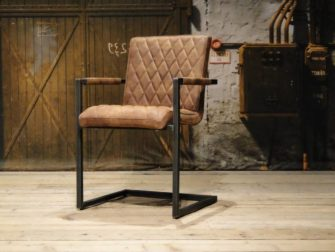 industiele stoel met ruit