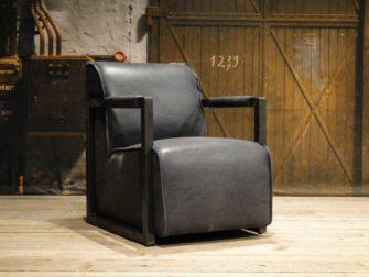zwart leren fauteuil industrieel