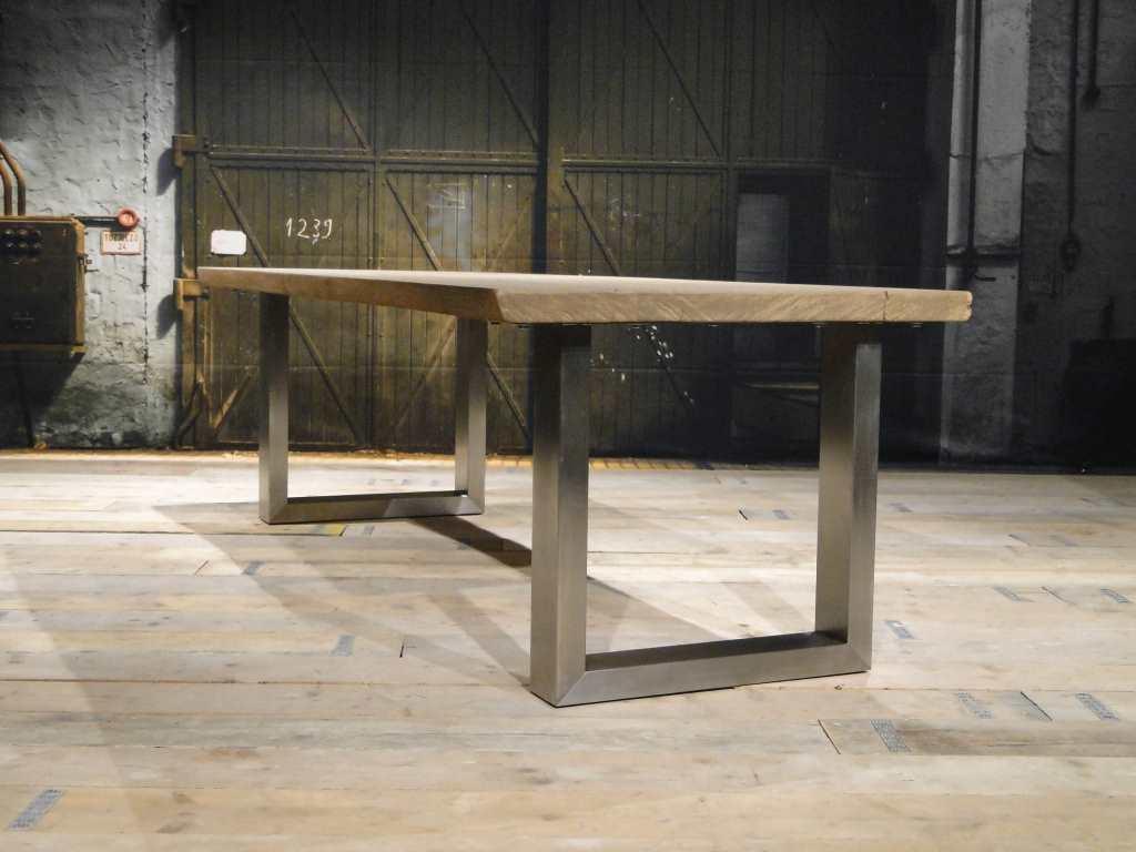 Balken tafel carpentras rustiek eiken robuustetafels