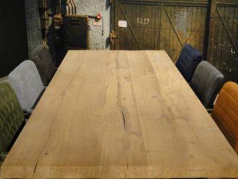 Industriele tafel pontedra massief eiken robuustetafels