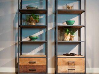 industriele boekenkast met laden