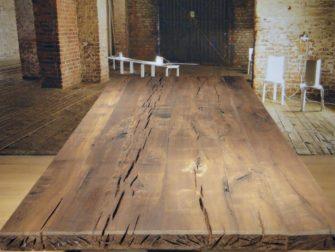 donker eiken tafel