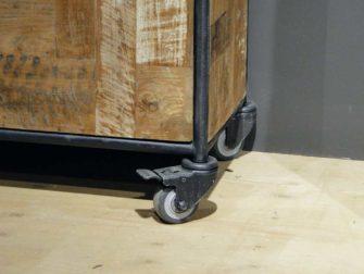 industriele boekenkast op wielen