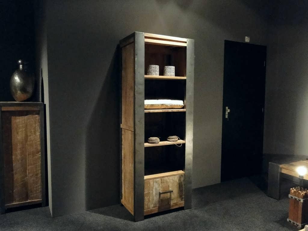 Boekenkast asmund van oud hout robuustetafels.nl