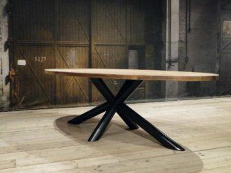 Industriele tafel avignon op maat gemaakt robuustetafels