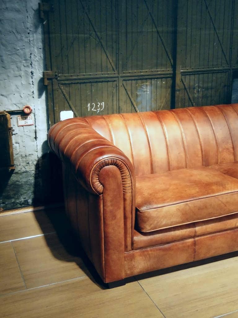 Chesterfield bank in het leer Cognac