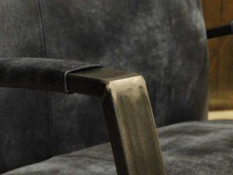 blauwe leren fauteuil