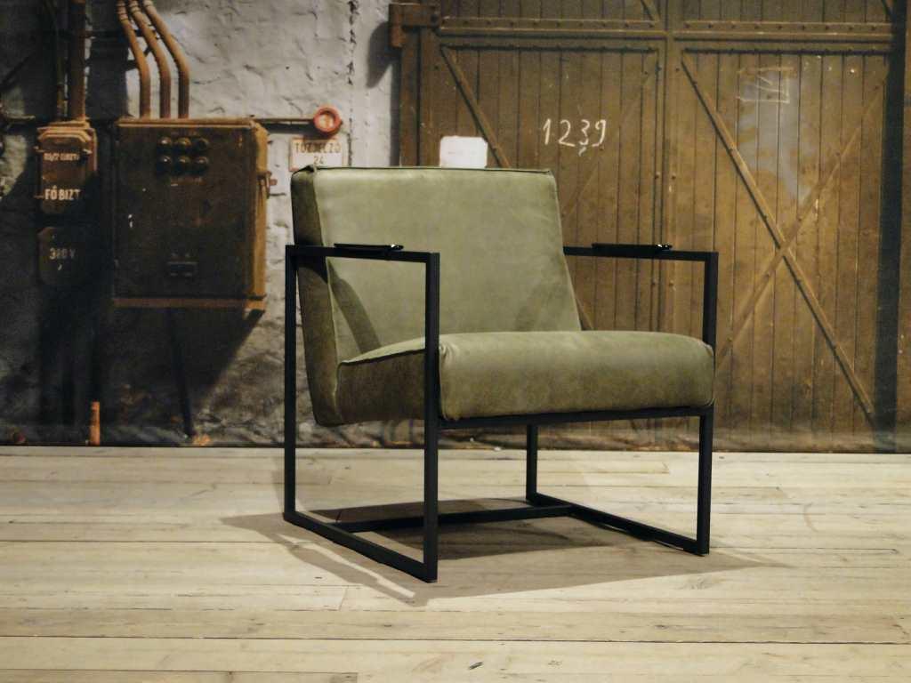 Leren fauteuil pesara leverbaar in leer en stof robuustetafels