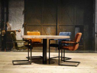 Ronde tafel met 4 stoelen