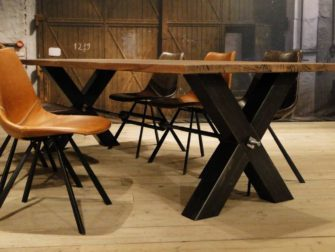 oud eiken kruispoot tafel