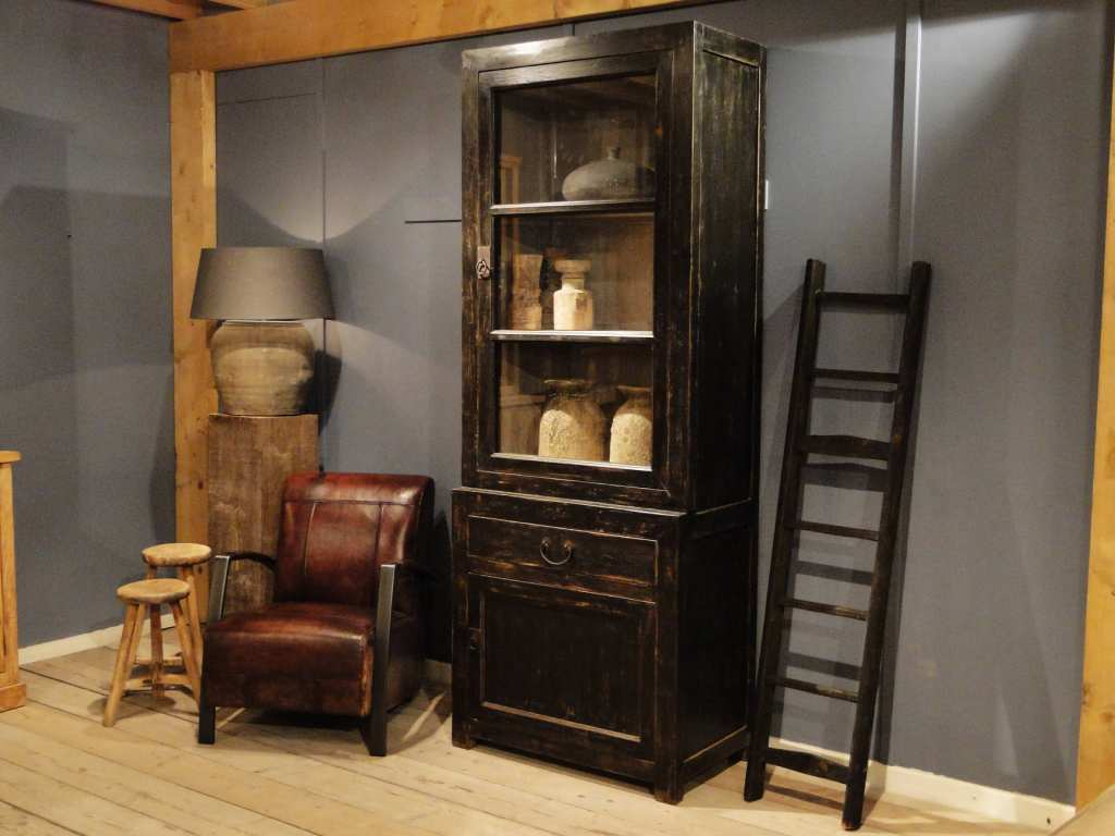 vitrinekast oud hout